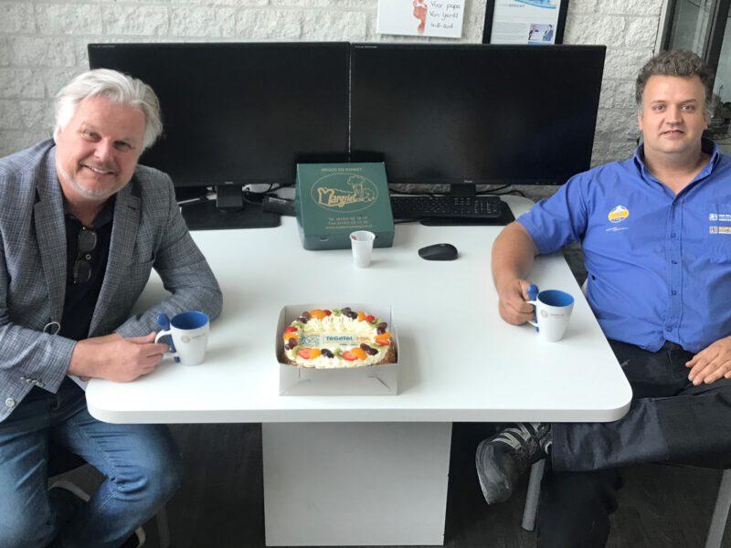 Harry Hamers op bezoek bij Van Wijngaarden Groothandel en Super Safe bedrijfskleding